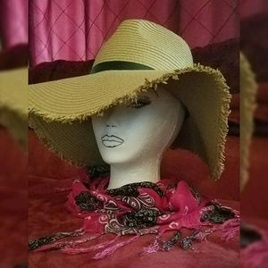 Macy's NEW Classy Large Floppy Brimmed Straw Hat